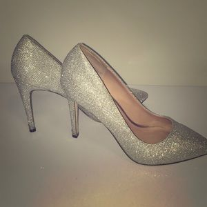 """Call It Spring Pointy Toe Sparkly Silver 4"""" Heel"""